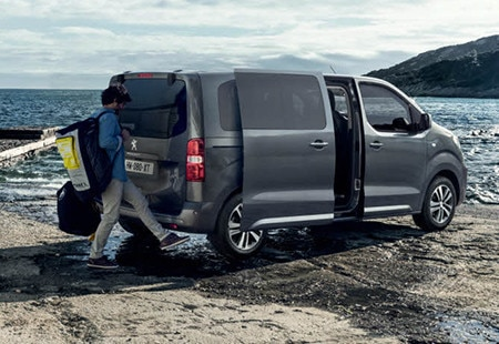 Peugeot Traveller hurðaopnun