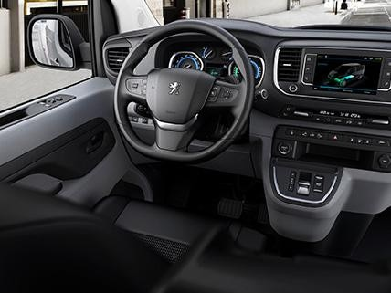 Peugeot e-Expert rafbíll innra rými