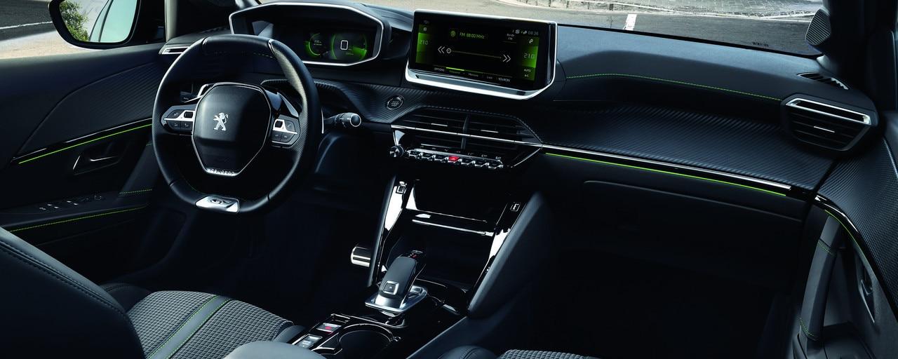 Glænýr Peugeot 208 innra